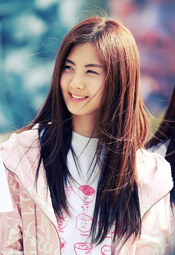 Sometimes my friends say when i am smiling or laughing i look like Seohyun