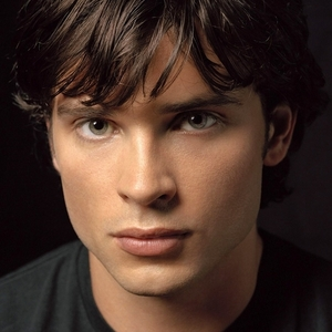 Tom Welling....would 사랑 to see his sexy 나귀, 엉덩이 portraying a seductive creature of the undead. :)