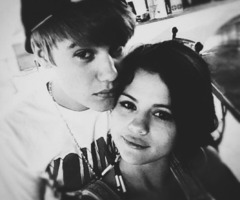 I love this pic! Is my favorite of Jelena ♥ Hope u too like it! ☺