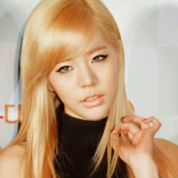 I am basing this not from mv but also variety shows and other activities that doesn't involve them performing songs on a stage 1.Sunny-She does a lot আরো sexy things with her body besides the stage so her sexiness is also apart of her charm. She is not আরো sexy then Yuri because of her body per se but because her sexiness is আরো natural off stage and believable on অথবা off stage. 2.Yuri-she is limited to performances in other places that aren't mv অথবা stage performances it seems forced. Not doubt she is sexy but she is gotten old for me so I can't put her at first place, she needs to change her looks অথবা something cause I get tired of looking at her cause she still looks the same as when she debuts 3.Jessica-She doesn't really প্রদর্শনী off sexiness but her confidence can be sexy 4.Tiffany-Her voice is sexy but not but sexy appeal on অথবা off stage 5.Taeyeon/SooYoung-Their sexiness isn't consistant they do based on the song, but I would rank them higher if thier sexiness was consistent 7.Hyoyeon- Sexiness seems abit forced and not natural 8/9.Yoona- Sexiness forced and not natural and also not consistent 8/9.Seohyun- she has the confidence which is sexiness but that is where it ends but her voice helps