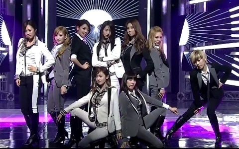 1)Yuri 2)Sunny 3)Taeyeon 4)Sooyoung 5)Hyoyeon 6)Yoona 7)Jessica 8)Tiffany 9)Seohyun