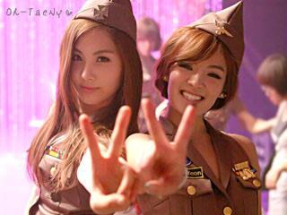 Hyoyeon and yoona.