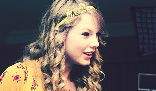 There are so many pretty pictures of Taylor!