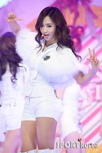 SExiest-Yuri long est leg-Soo young