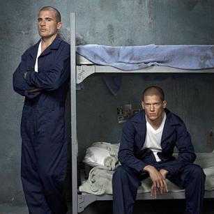 Watching Prison Break on Netflix while being on fanpop...