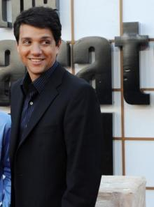If I was a boy, I would totally go gay for Ralph Macchio. Not to be creepy... O.o
