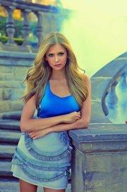 blond elena