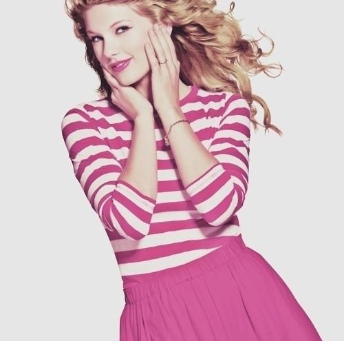mine 1)http://www.keepandshare.com/userpics/j/u/r/i/sh07/2010-12/sb/pink_dress-77184552.jpg?ts=1293818383