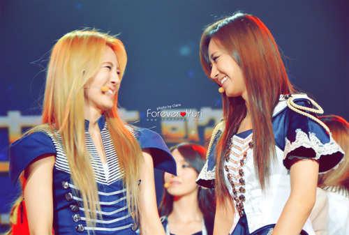 HyoYeon And Yuri = HyoRi <3