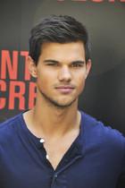 Taylor Lautner!!<3<3<3