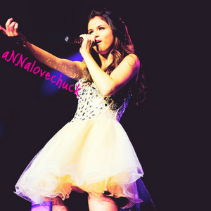 [b]The Best girl in the world !!! Just a though...[/b] she is my idol..haha! I marvel her & Cinta her...