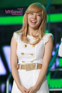 I can't deny her eyesmile, cute smile, and her lips