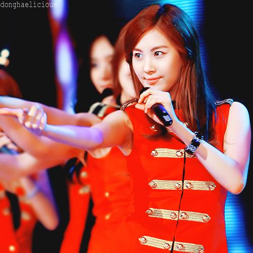 Seohyun in red :)