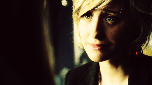 In my option the Best tv Characters > Chloe Sullivan from 超人前传 . Oliver Queen's wife and Clark Kent's AKA 超人 closest friend. She served the role of 岗楼, 瞭望塔 .. Chloe is a young Caucasian female fair & blonde 哈哈 with blue-green eyes... one of 最喜爱的 things about her is her relationship with Clark .. help him become a hero , she helped so many 超能英雄 shes pure good ^_^ Chloe possesses a quick wit and a feisty, cheeky personality. Her childhood dream was to be a world-renowned journalist and her personality reflects her ambitions. She is independent, resourceful, and highly intelligent. Chloe has a small immediate family; as a result, she greatly values her friendships with Lana Lang, Clark Kent, and Pete Ross. She is fiercely loyal to her 老友记 and eager to help them solve their problems, observe objectively, 或者 offer straightforward, honest advice. She is caring and forgiving and never stays mad at anyone for long.