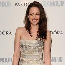 "i think she is very beautiful and she is an amazing and talented actress,in the words of her Twilight co-star/boyfriend Robert Pattinson,""Kristen's the best actress of her generation"",I totally agree with him 100%.There are 2 reasons right there :she is beautiful and she's an amazing actress."