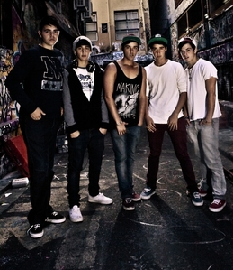 Janoskians of course if 당신 dont know who they are look it up because they are hell funny and cute <3 picture below