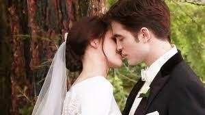 I loved their wedding kiss, it was so sweet <3