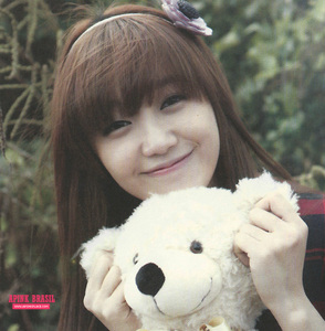 Eunji. i like her in Apink, but she would get 더 많이 recognition if she was in SNSD and people would actually see that she has one of the best voices in kpop. she can compete with Taeyeon, anytime