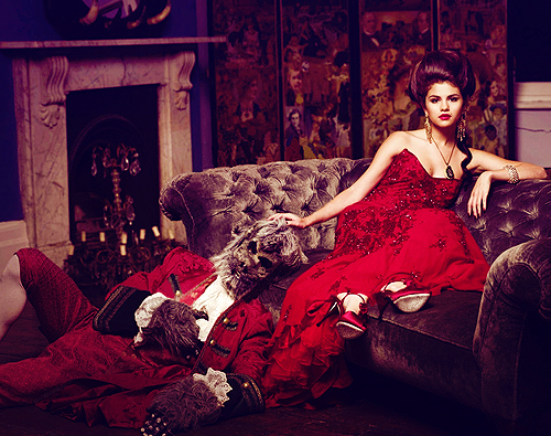 Post a pic of selena in a red dress or just wearing red - Selena ...