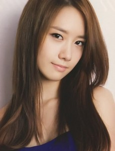 Although Yuri and Yoona are one of my 4 favorites,i have to go with Yoona. She's stunning,its like a no brainer!!!!^^