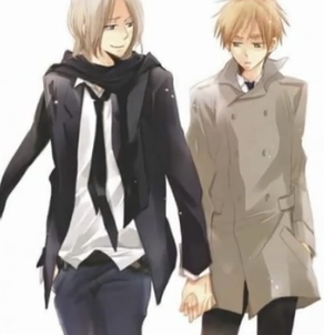 I want to hold France's hand~! I bet they're really soft and gentle~ <3