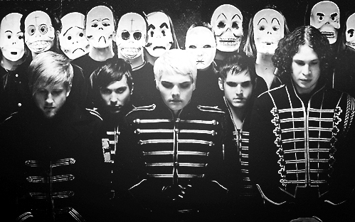 [B]My Chemical Romance[/b] I have a bad addiction to them. I feel bad for my 老友记 and family who get flooded in my talk about them ^^'