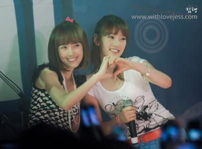 Jessy with Taeyeon ^^