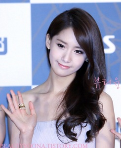 I have 3 가장 좋아하는 members Yoona, Tiffany and Jessica. ^^ But here's Yoona. =) <3