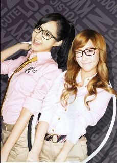 My favorite members are Yuri and Jessica......<3