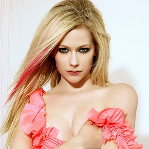 If u wanna know my paborito pic of Avril... I will tell u this is the most i like.... Its my favorite!!!
