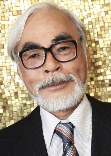 Hayao Miyazaki. Forever will be my 最喜爱的 director. He created Spirited Away, Howl's Moving Castle, My Neighbor Totoro, Princess Mononoke. Just to name a few.