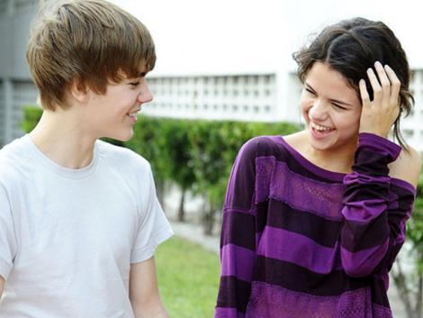 I would say Selena Gomez because sheis my favorit idol and plus now I cinta her lebih because she is dating Justin Bieber, I dont know why there is alot of people that hate on others , look at them theyy look happy together . Why judge ? Think about it if your dating this guy and then people starts talking about both of you. How would anda feel ? Let's just make peace and let them live there young life :) Remember YOLO (YOU ONLY LIVE ONCE) :D