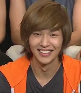 post you fav Onew's hair stlye picture(i'll give you 5 props)