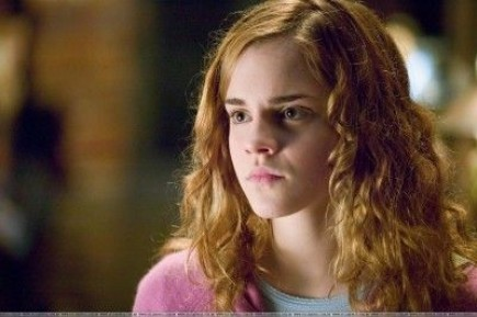 who plays hermione granger