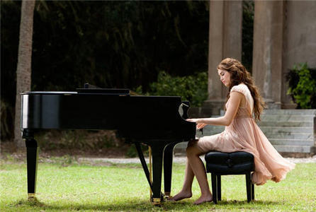 Post a pic of Miley playing Piano.
