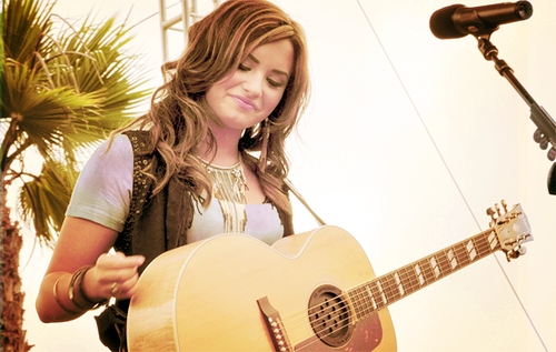 &#34;&#34;Post A Pic Of Demi Lovato On Stage With Guitar.&#34;&#34;