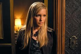 Post picture of your yêu thích Katie Cassidy role. Props!