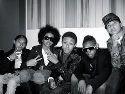 If Prodigy wanted to makeout with you, when Princeton wanted to go on a তারিখ with you,while রশ্মি রশ্মি wanted to marry আপনি and Roc Royal wanted go to the চলচ্চিত্র with you.Then Diggy Simmons wanted to do all that stuff,which one would আপনি choose