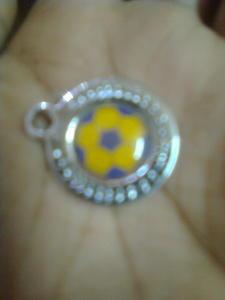 hey guyz what do i do wid this ball make it locket atau keychain ?