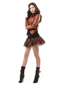 (¢σᾔт℮ṧт)post pic 4 any female idol wearing beautiful boot ..!!