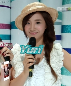 Tell me the reason why you don't love Yuri...???           For me I think Yuri is perfect...             Please answer actually Anti Yuri...