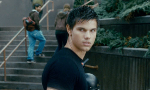 post pic of taylor as jacob in any of the फिल्में of twilight.....props!!!