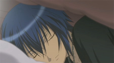 oke listen up!! your family is on holiday and you're all alone at home...well not all alone cos...it's morning and Ты wake up and Ты see something under the cover...BOOM!! there is Ikuto in your bed!! what will Ты do?? ♥ ♥