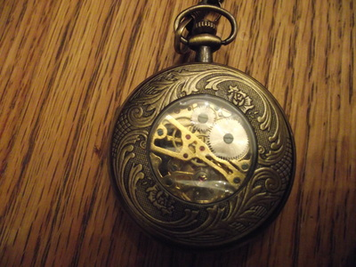 Do آپ have a pocket watch?