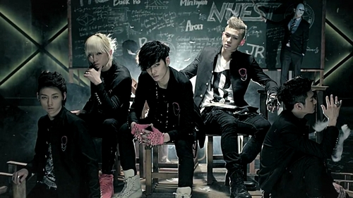 Who is your پسندیدہ member of NU'EST ?
