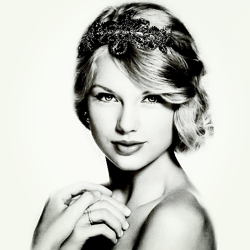 Post a BLACK and WHITE pic Of TAYLOR