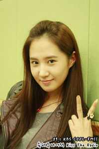 (Contes) Post a picture of Yuri wearing a ring