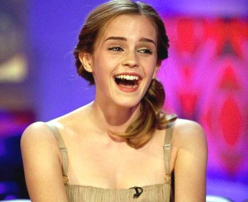 Post a picture of Emma laughing (not smiling) !! pujian will be given.