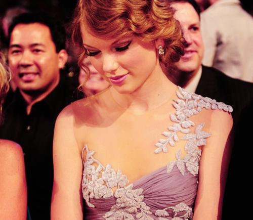 Taylor সত্বর Contest