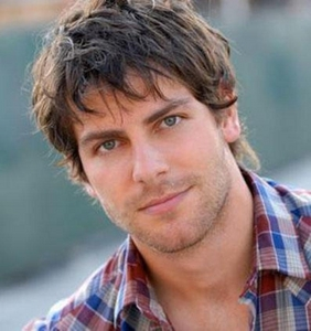 Why do آپ love David Giuntoli?? What is your پسندیدہ character that he's play?